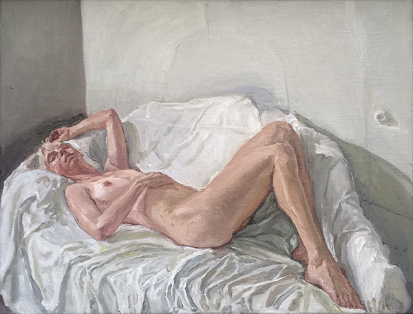 manoureclining